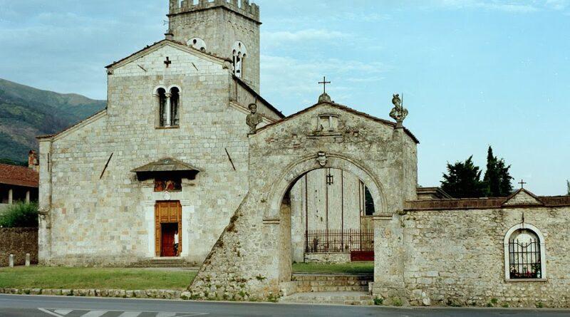 """La """"BADIA"""" di Camaiore (i nostri Monumenti)…di Giovanni Scarabelli"""