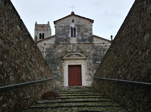 La Pieve di Camaiore (i nostri monumenti)..di Giovanni Scarabelli
